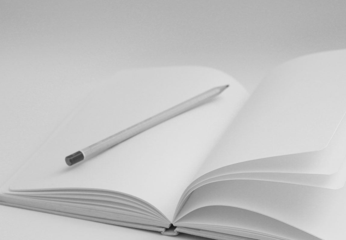 Kreatives Schreiben Methoden - Leeres Notizbuch mit Worten füllen