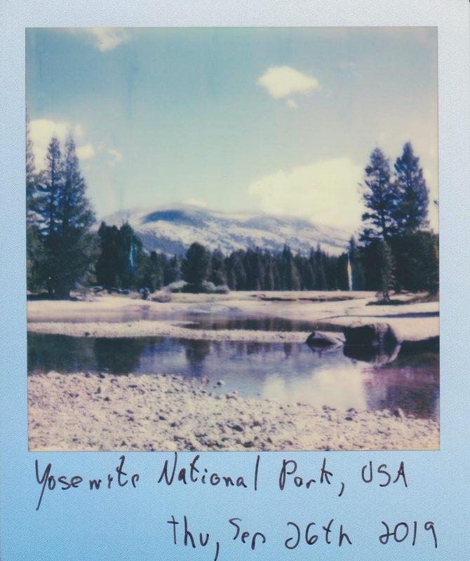 Inspiration Buch Thema für Geschichten finden - Polaroidfoto Landschaft mit Beschreibung