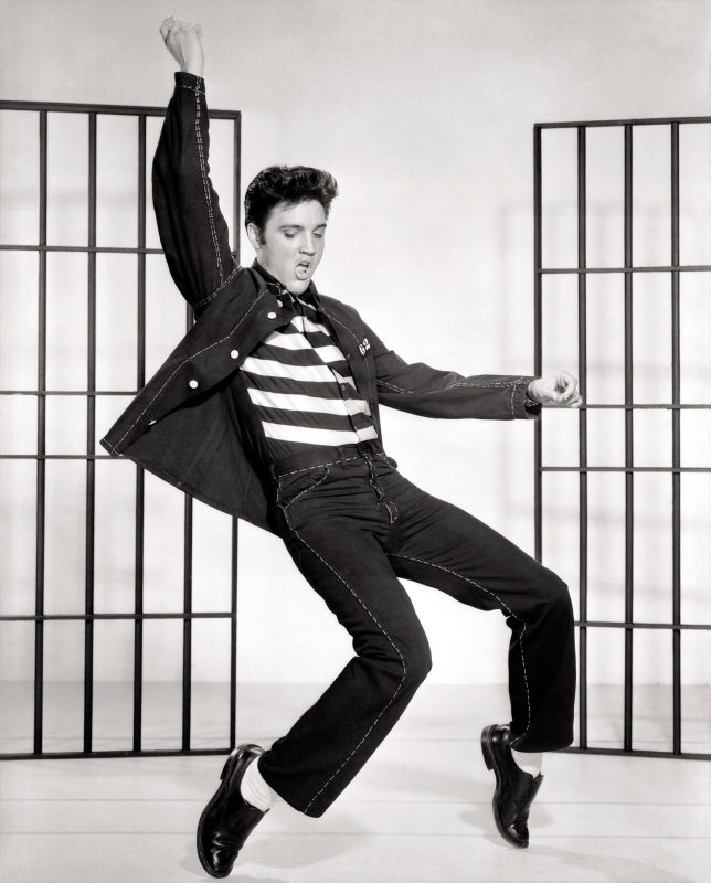 Elvis Presley tanzt